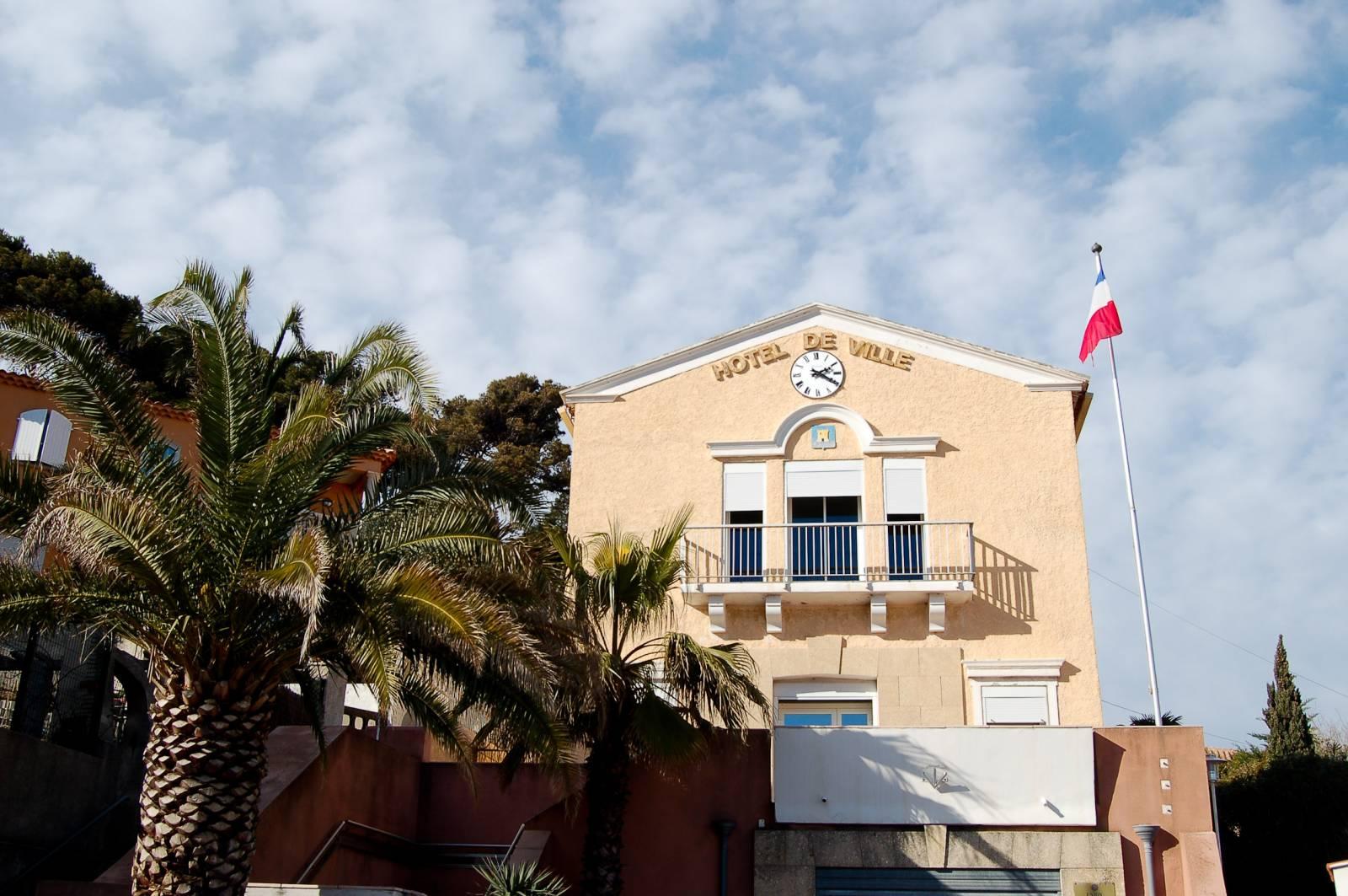 Mairie carry le rouet hotel de ville pelissier diagnostic immobilier - Office tourisme carry le rouet ...